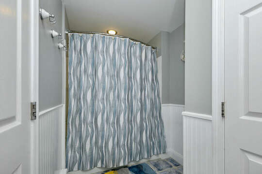 Full bathroom with tub/shower combination - 25 Bank Street Unit #2 Harwich Port - New England Vacation Rentals