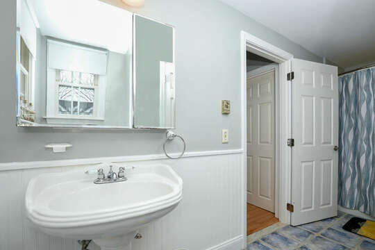 Jack and Jill bathroom accessible from both bedrooms - 25 Bank Street Unit #2 Harwich Port - New England Vacation Rentals