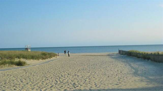 Bank Street Beach - within 400 steps - 25 Bank Street Unit #2 Harwich Port - New England Vacation Rentals