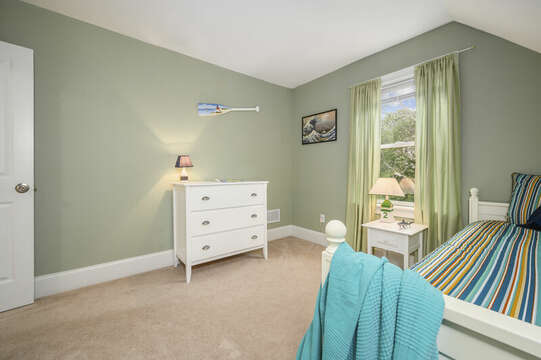 Third floor-Bedroom #3 Twin trundle bed , dresser and closet-51 Nantucket St Hyannis - Cape Cod- New England Vacation Rentals