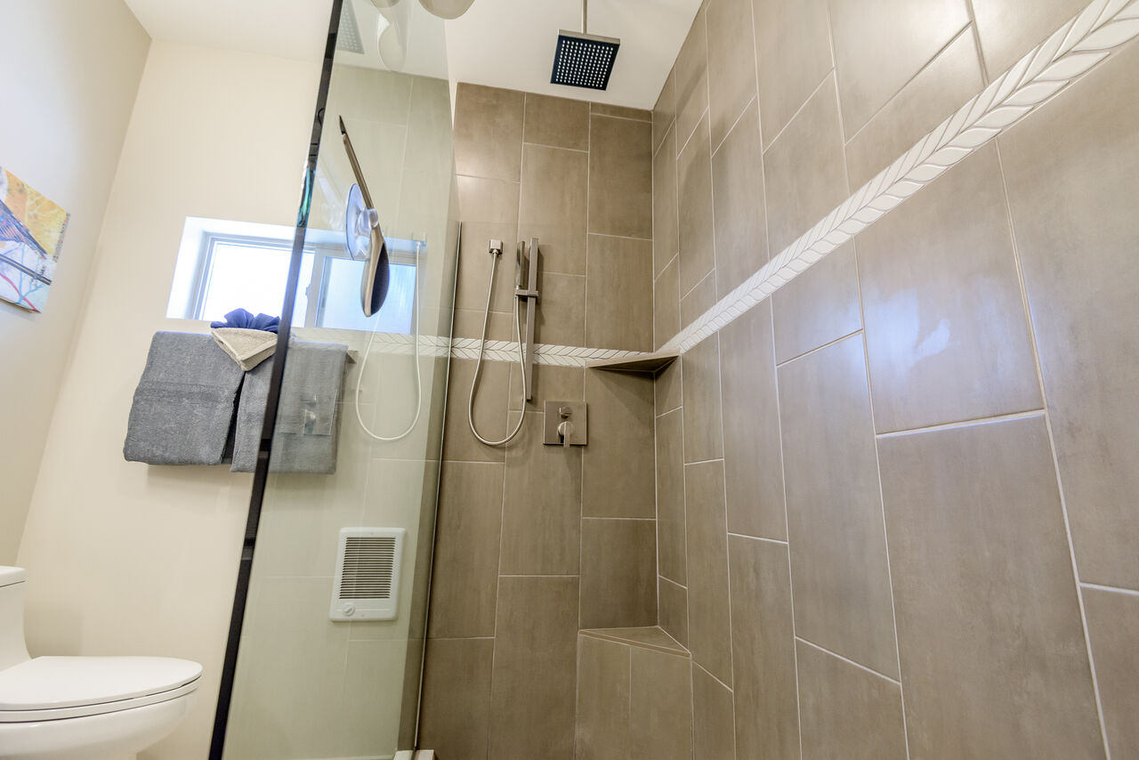 Tile/Glass Shower with Two Shower Heads
