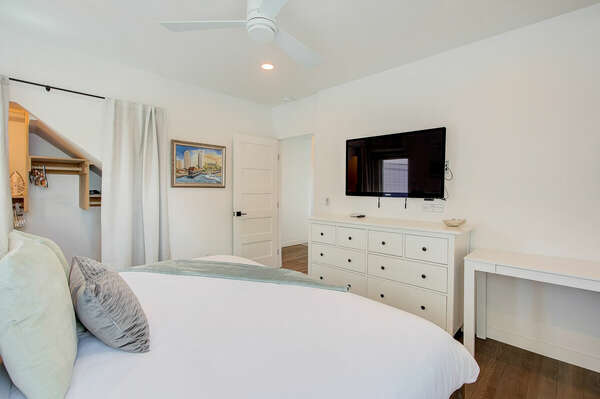 Master Bedroom, King - Second Floor