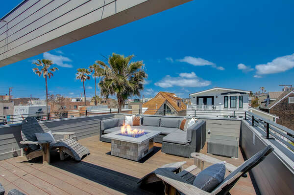 Outdoor Dining & Lounging w/ Fire Pit - Third Floor