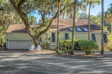 Welcome to 2713 Seabrook Island Road. A renovated cottage only a few blocks from the ocean!