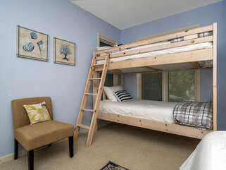 Bunk beds for additional sleeping in the 2nd bedroom.