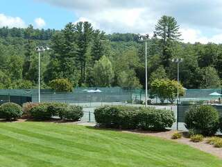Sapphire Valley Amenities: shared clay tennis courts
