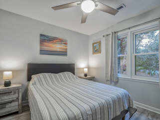 The queen size guest room.