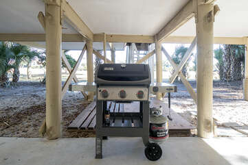 A gas grill is here for your BBQ dinners.
