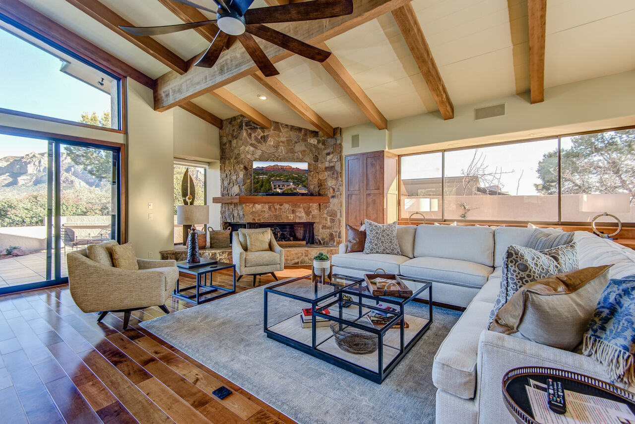 Comfortable and Stylish Furnishings - Great Gathering Space