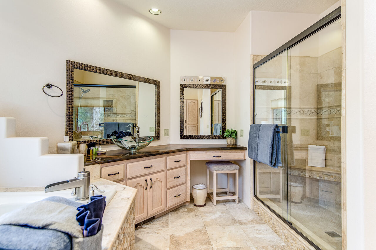 Vanity with Make-up Area and Walk-in Closet