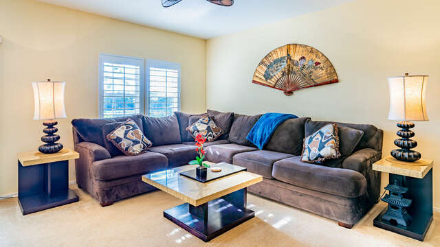 Large Living Area with Plenty of Seating