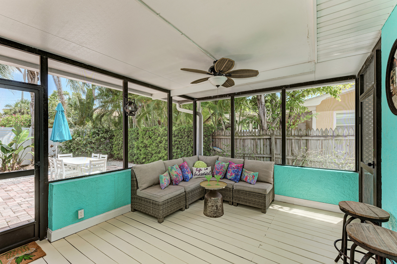 Barefoot Bungalow screened in patio