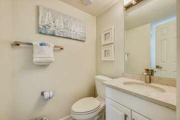 Full bathroom (second level)