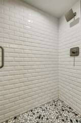 Tiled shower (second level)
