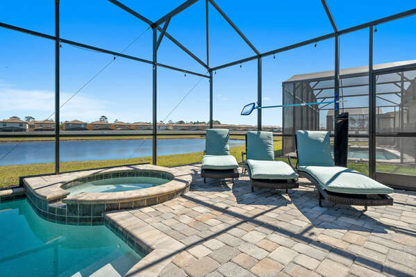Lake View, Private Pool with Spillover Spa, screened-in Pool Deck, and plenty of sun loungers!