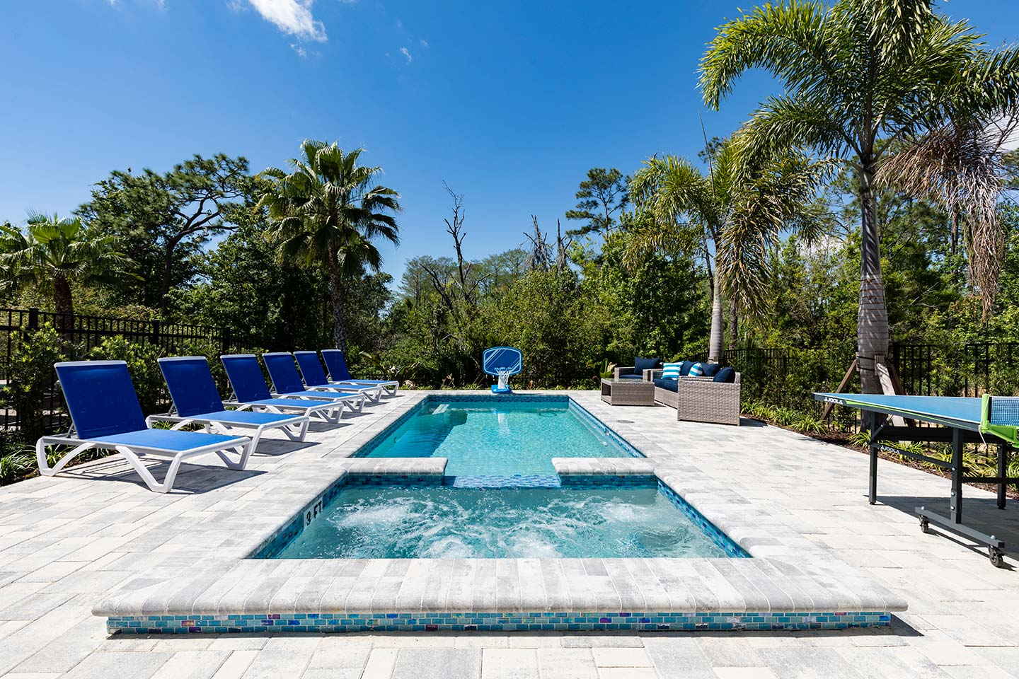 [amenities:private-pool-and-spa:3] Private Pool and Spa