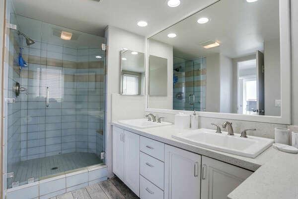 Master En-Suite with Large Shower - Second Floor