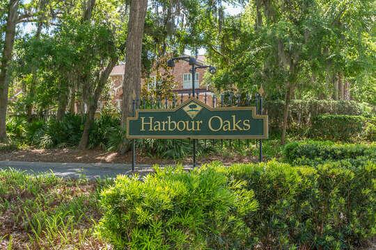 Harbour Oaks grounds