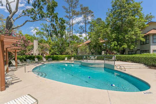 Harbour Oaks community pool