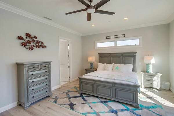 Master Suite, King - First Floor