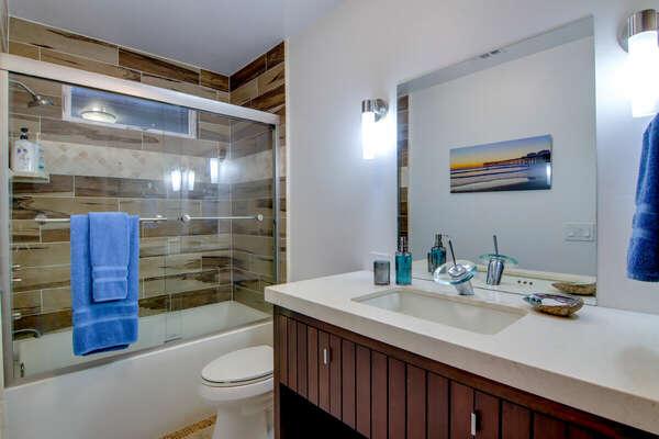 Full Guest Bath - First Floor