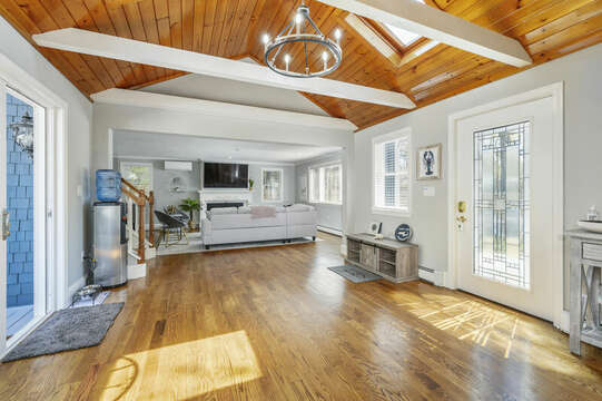 Large entry way front door and slider to back yard - 44 Avalon Circle Osterville Cape Cod New England Vacation Rentals