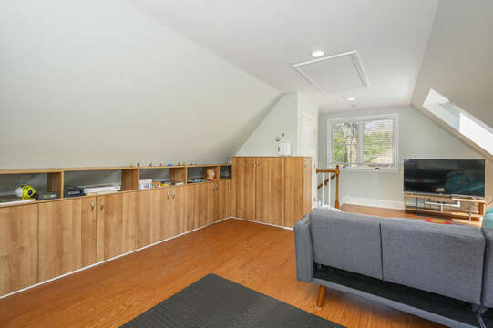 Bonus room over living room - 44 Avalon Circle Osterville Cape Cod New England Vacation Rentals