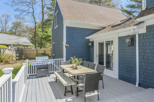 Outdoor dining with seating for 8 - 44 Avalon Circle Osterville Cape Cod New England Vacation Rentals