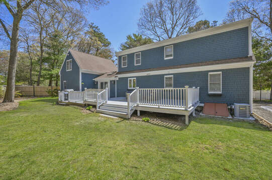 Enjoy yard games on the grass  - 44 Avalon Circle Osterville Cape Cod New England Vacation Rentals