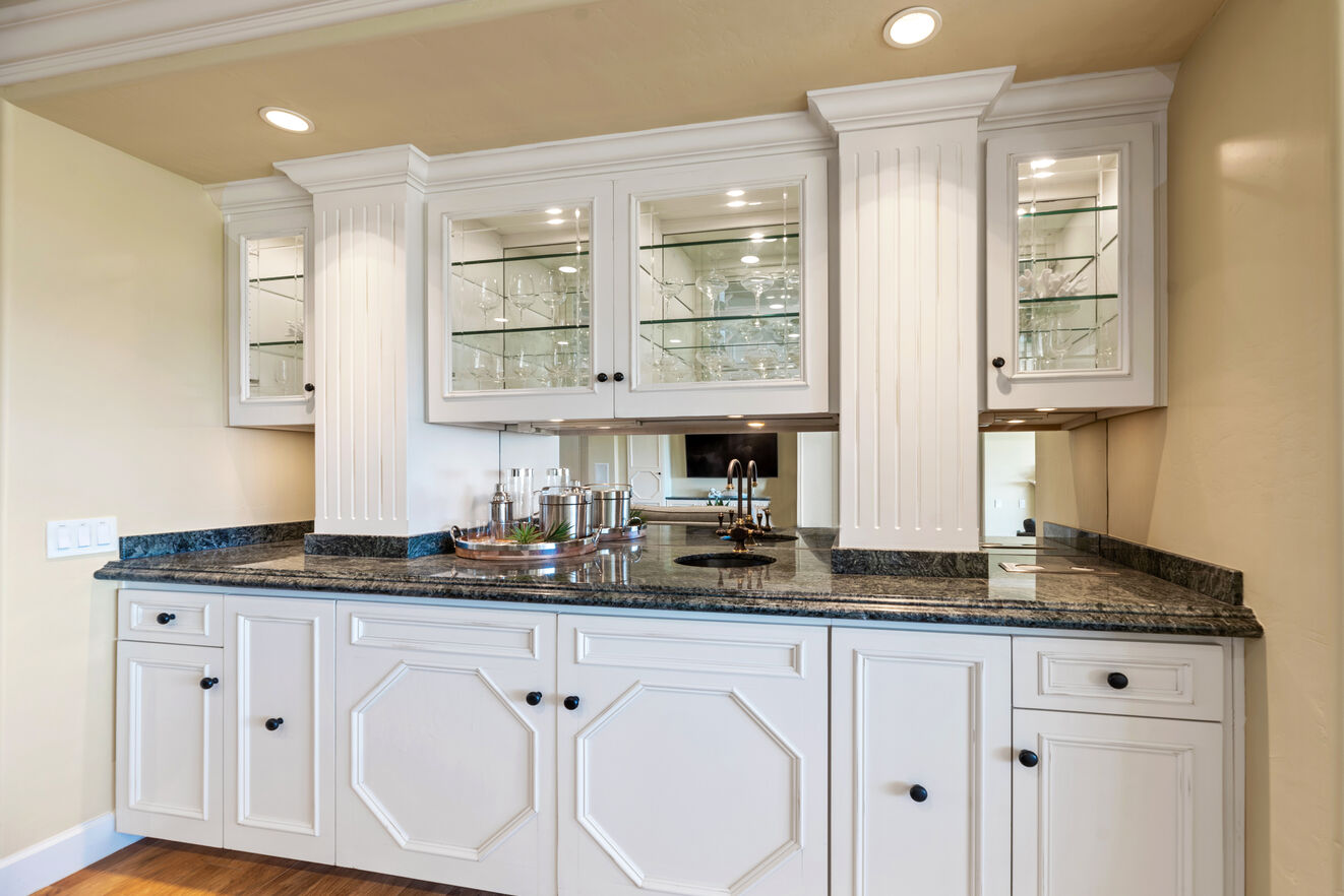 Wet bar located in great room.