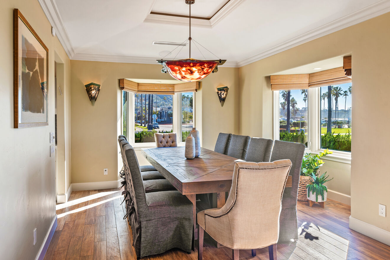 Formal dining table with seating for 10