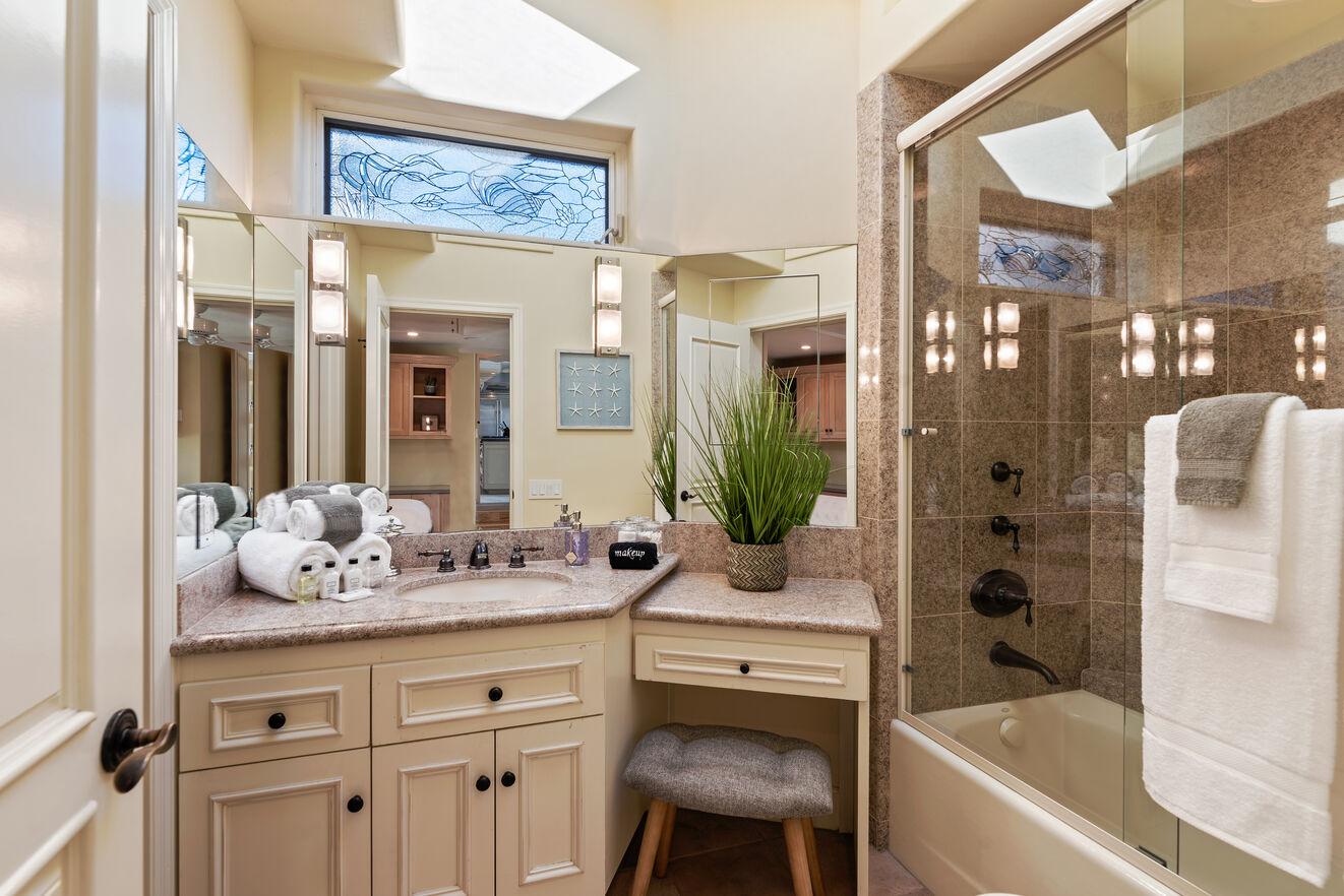 Ensuite bath bedroom # 4