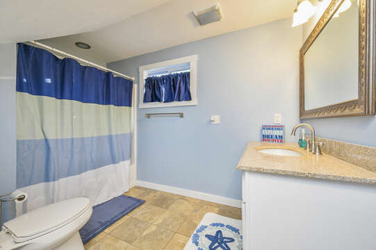 Bathroom #2 - Main level, Tub/Shower combo 85 Pond Street South Yarmouth Cape Cod - New England Vacation Rentals