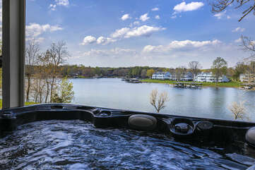 Relax while overlooking the lake