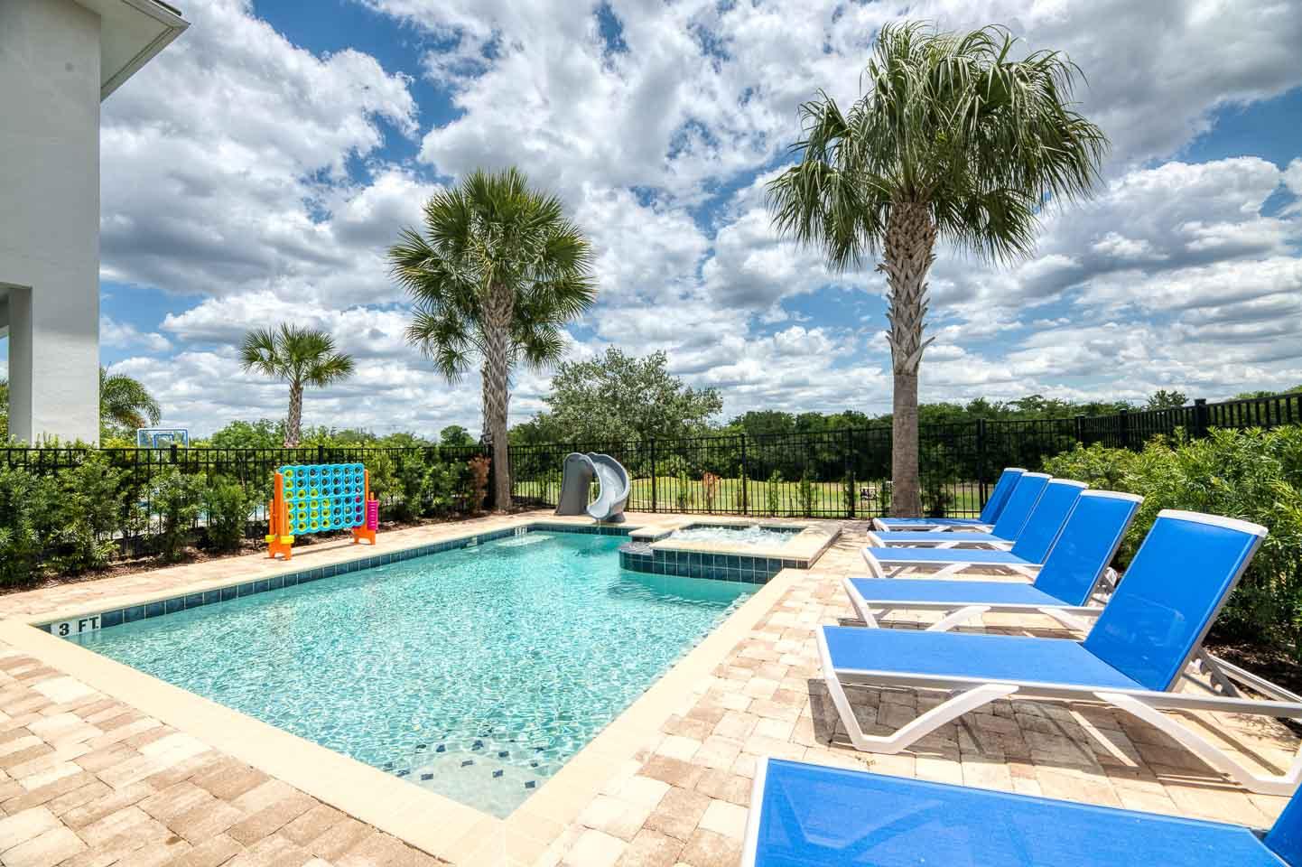 [amenities:pool-slide:3] Pool Slide