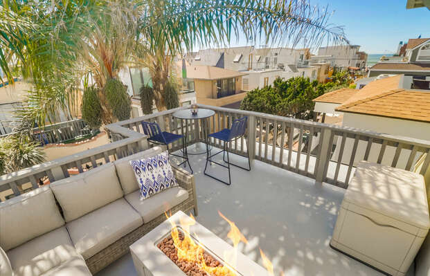 Third Floor Deck with Outdoor Sofa, Fire Pit and Table with Ocean Views!