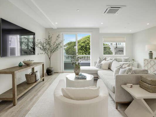 2nd Floor - Cozy Living Room