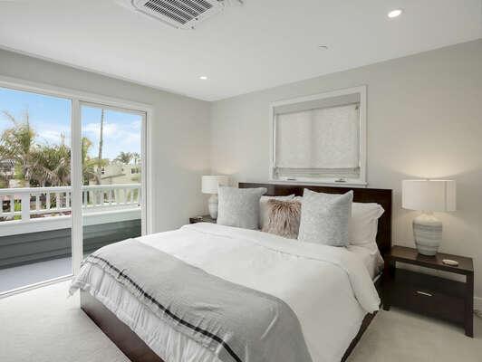 3rd Floor - Guest Bedroom - King w/ Balcony & En-Suite Bathroom