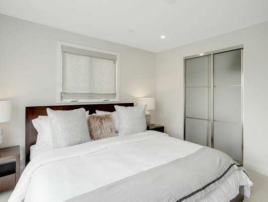 3rd Floor - Guest Bedroom - King w/ En-Suite Bathroom