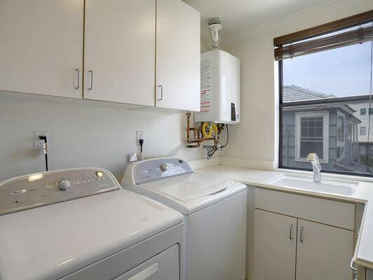 Washer/Dryer - 2nd Floor