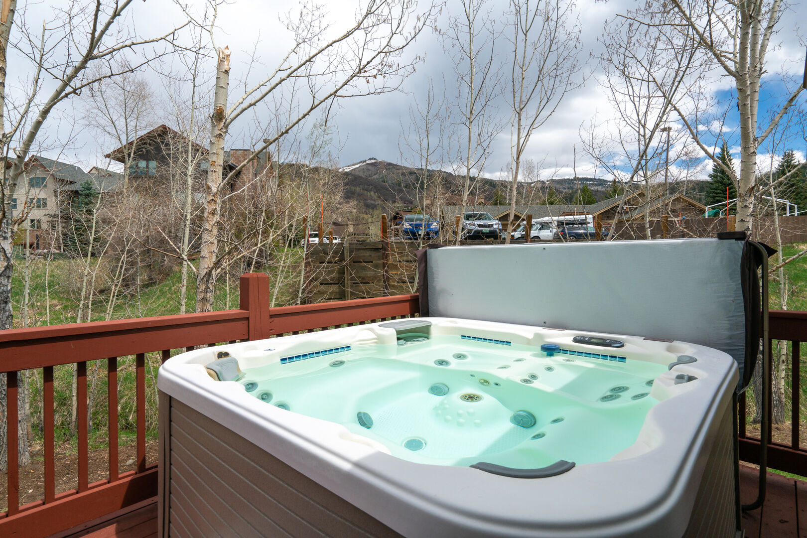 Hot tub on the back deck!