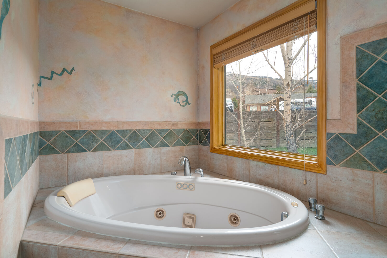 Private soaking bath tub in the master bathroom to relax in at the end of an active day!