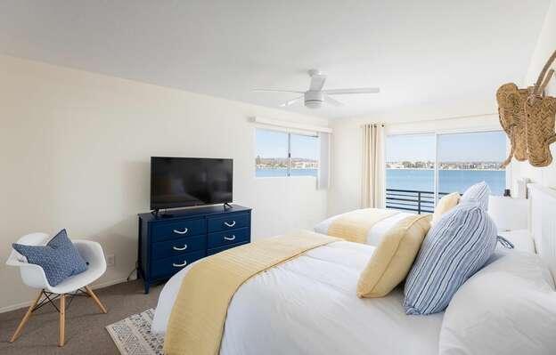 Guest Bedroom, 2 Fulls - Second Floor