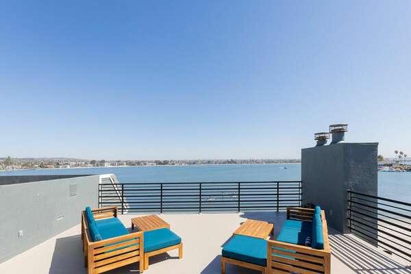 Rooftop Deck w/ 360 Views