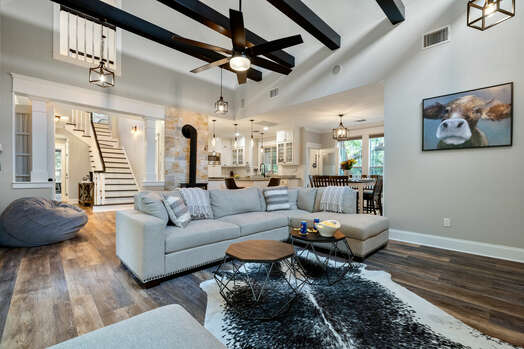 Gorgeous main house and apartment