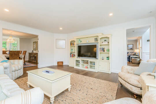 Comfy living room with lots of seating - 21 Moon Compass Lane Sandwich Cape Cod - New England Vacation Rentals