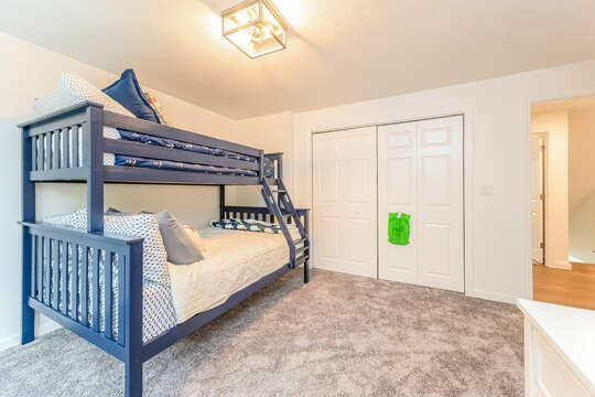 Twin / Full Bunkbed in Bedroom #2 - 21 Moon Compass Lane Sandwich Cape Cod - New England Vacation Rentals