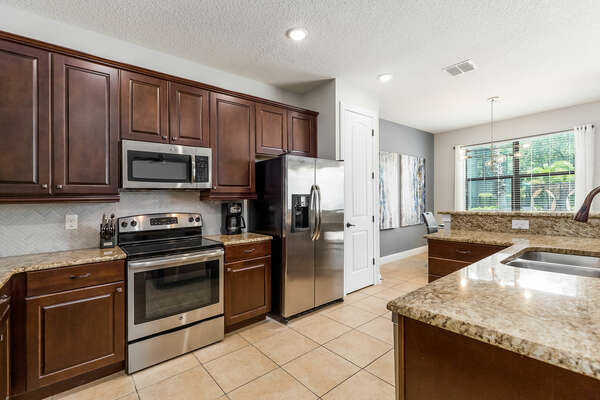 Prepare a delicious meal for all with the stainless steel appliances