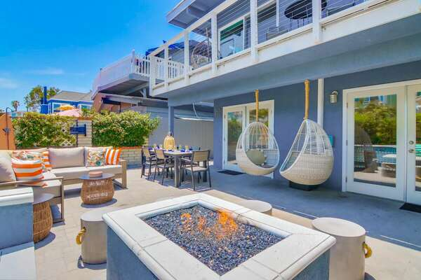 Outdoor Seating & Dining Area w/ Fire Pit