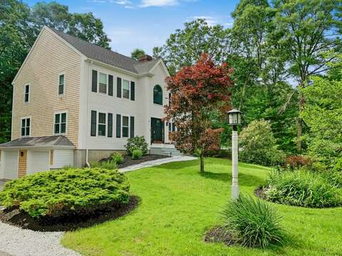 Welcome to 21 Moon Compass Lane Sandwich Cape Cod - New England Vacation Rentals